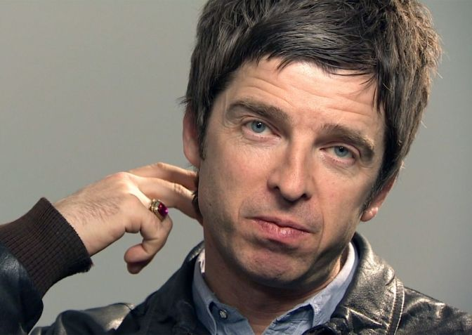 Noel Gallagher's High Flying Birds – She Taught Me How To Fly
