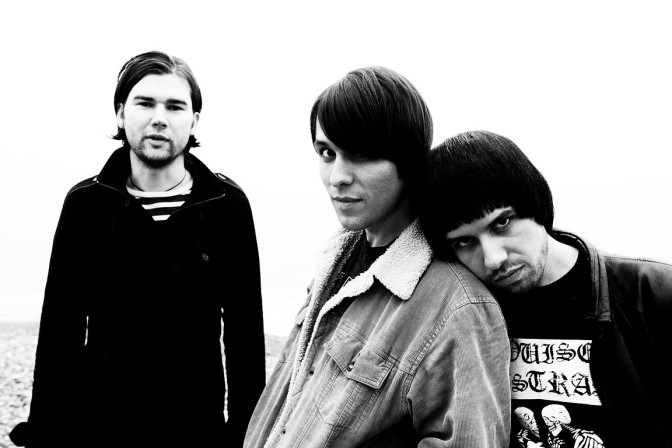 The Cribs y su debut… para un sello grande.