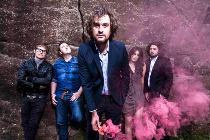 Reverend & The Makers regresan con Mirrors
