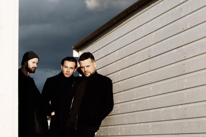 White Lies – Take It Out On Me