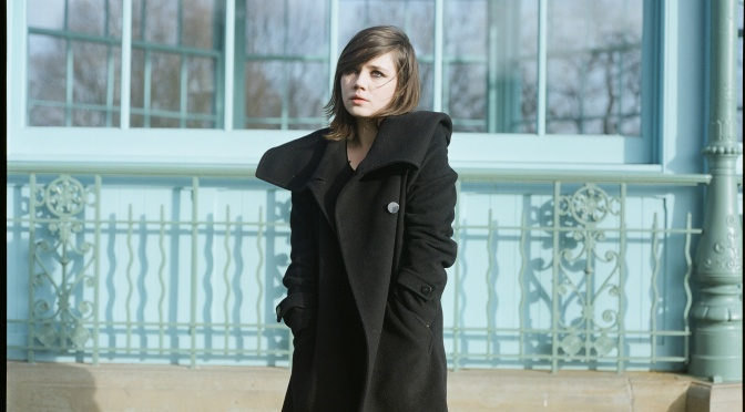 Rose Dougall regresa con Stellular