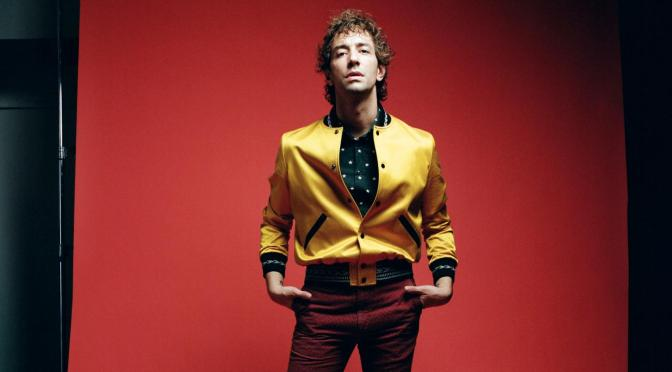 Albert Hammond Jr. al ataque